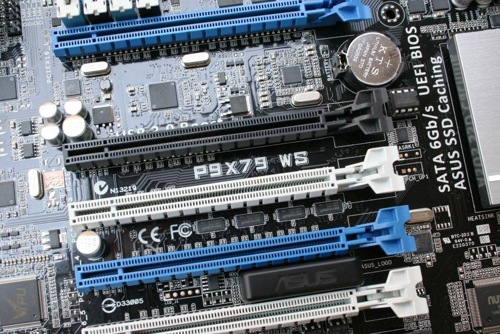 Motherboard multiple pcie x16 slots