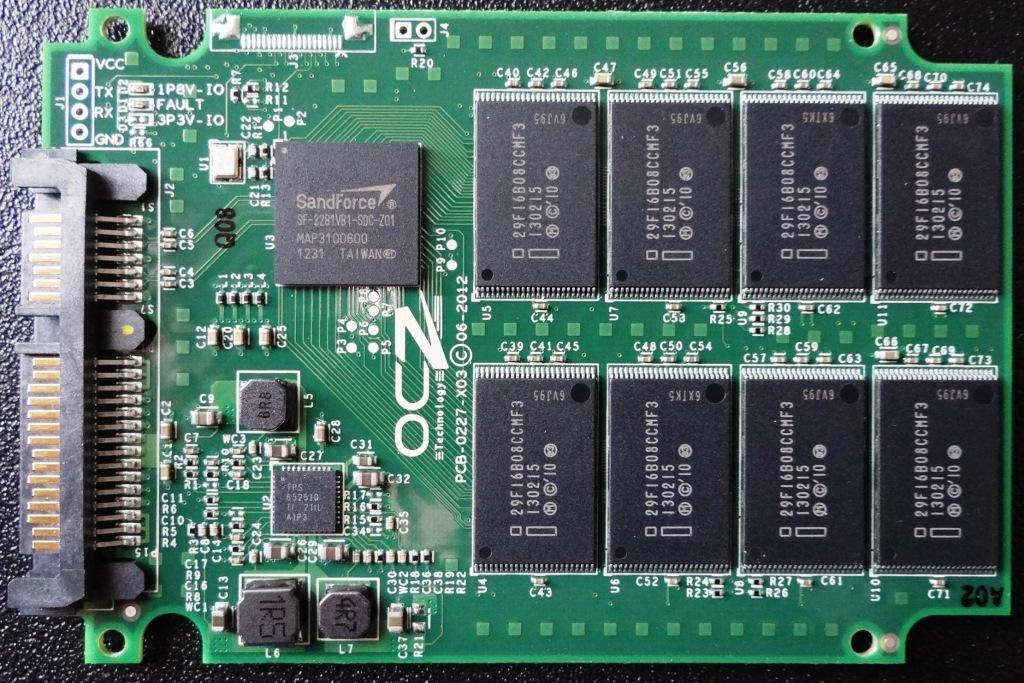 OCZ Vertex 3.20 PCB Front