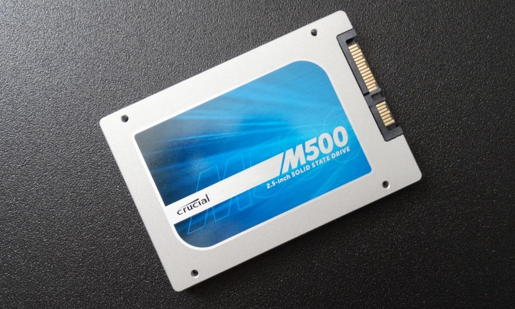 Crucial M500 960GB SSD SSD Angled