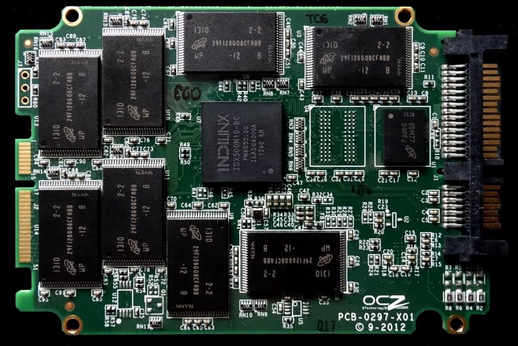 OCZ Vertex 450 PCB Front5