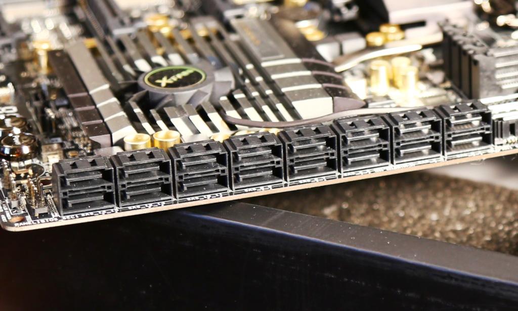 ASRock Z87 Extreme 11 ac motherboard SAS Ports2