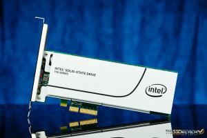 Intel 750 400GB Front