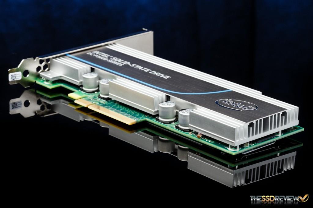 Intel SSD DC P3608 1.6TB Angle
