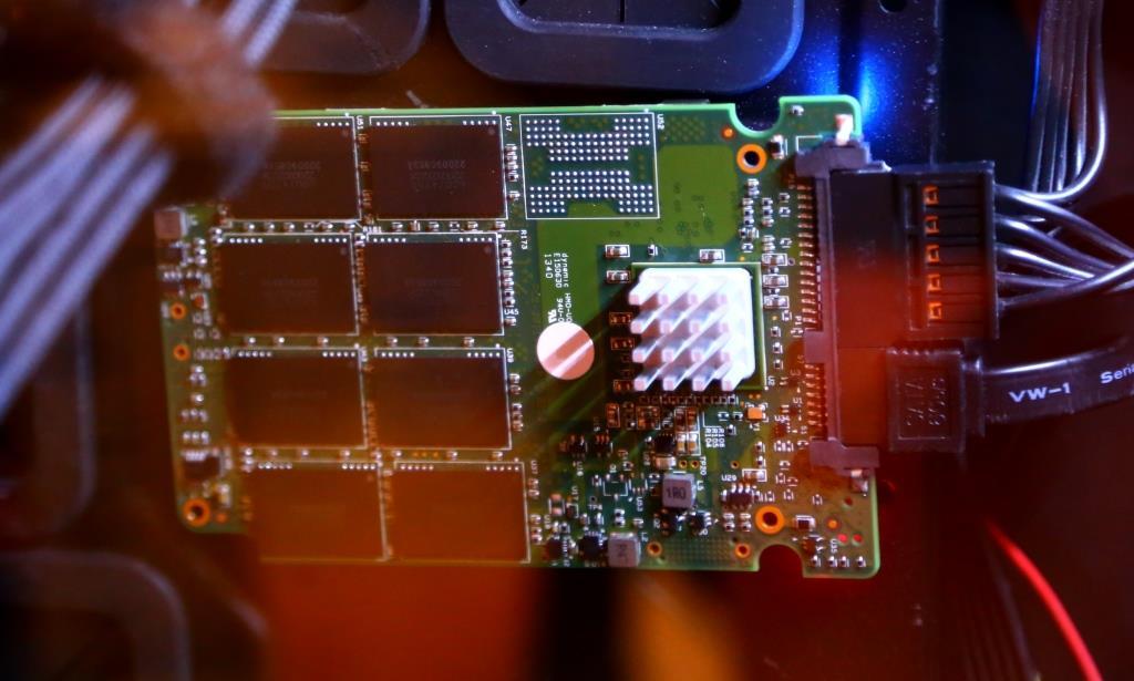 ADATA SF-3700 Notebook PC In Case W Heatsink