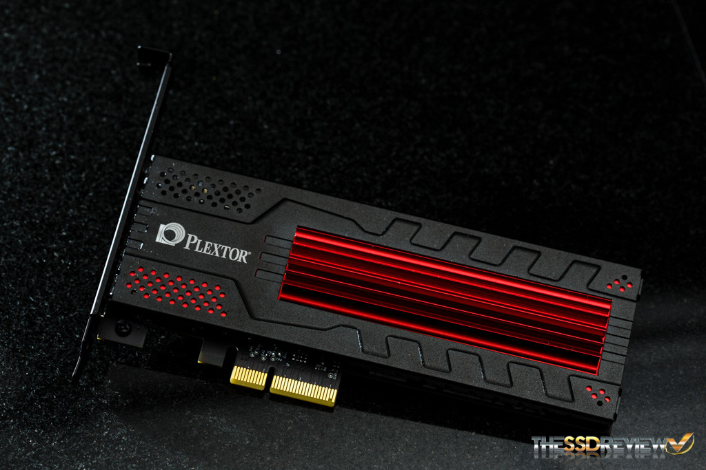 Plextor M6e Black Edition 256GB angle