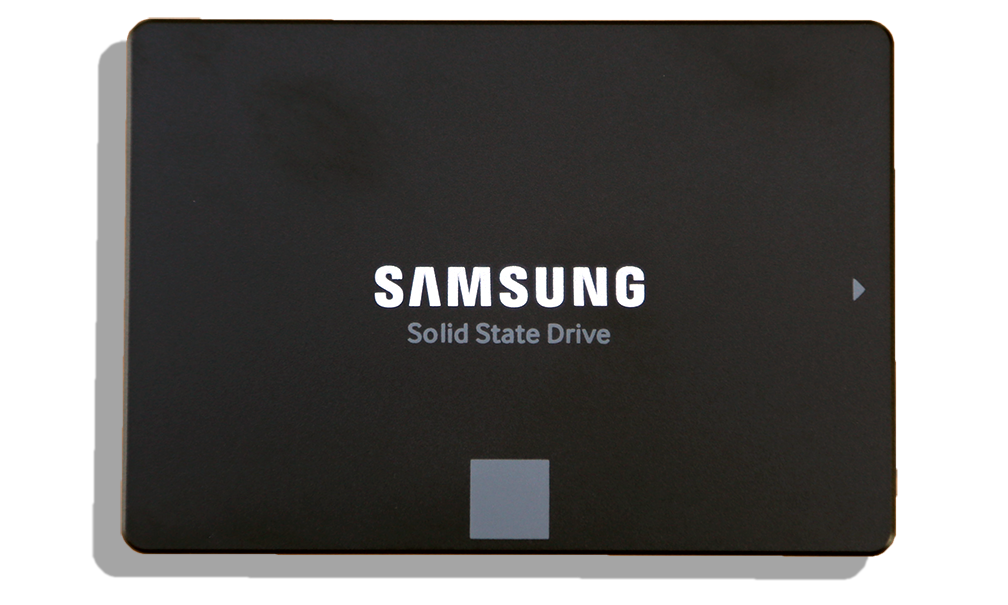 Samsung EVO 2TB SSD Top