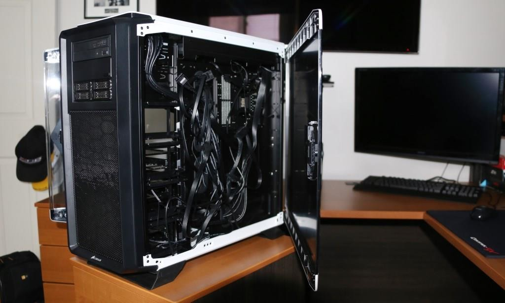 Corsair 760T Graphite White Full Tower Chassis Open Side