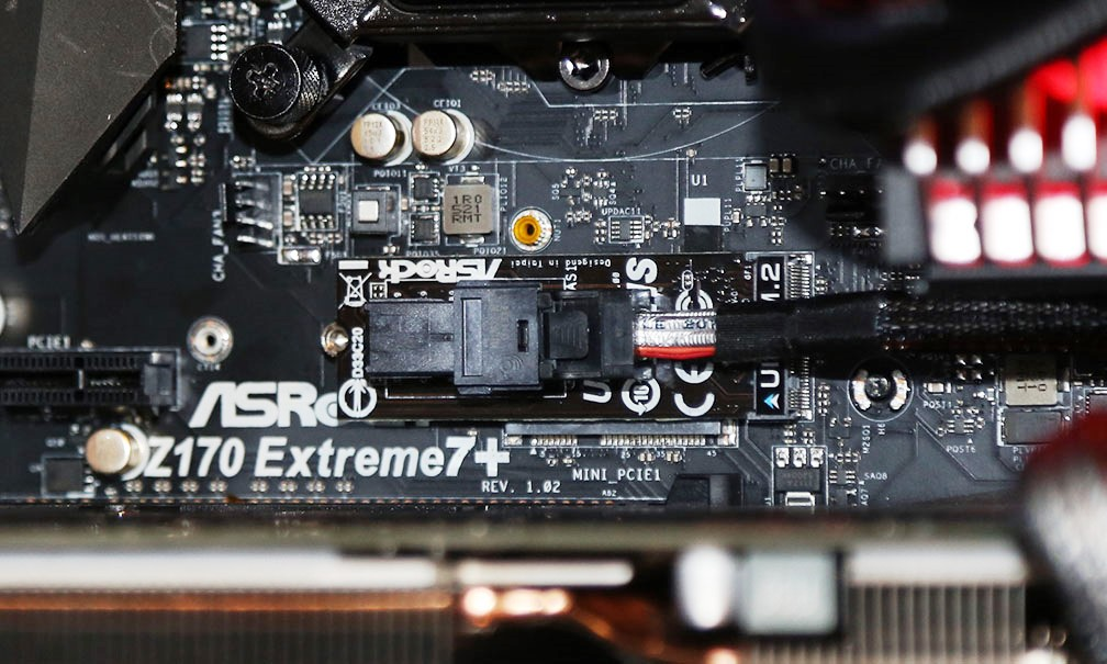 ASRock U2 SFF Connector in Z170 Extreme 7 Mobo