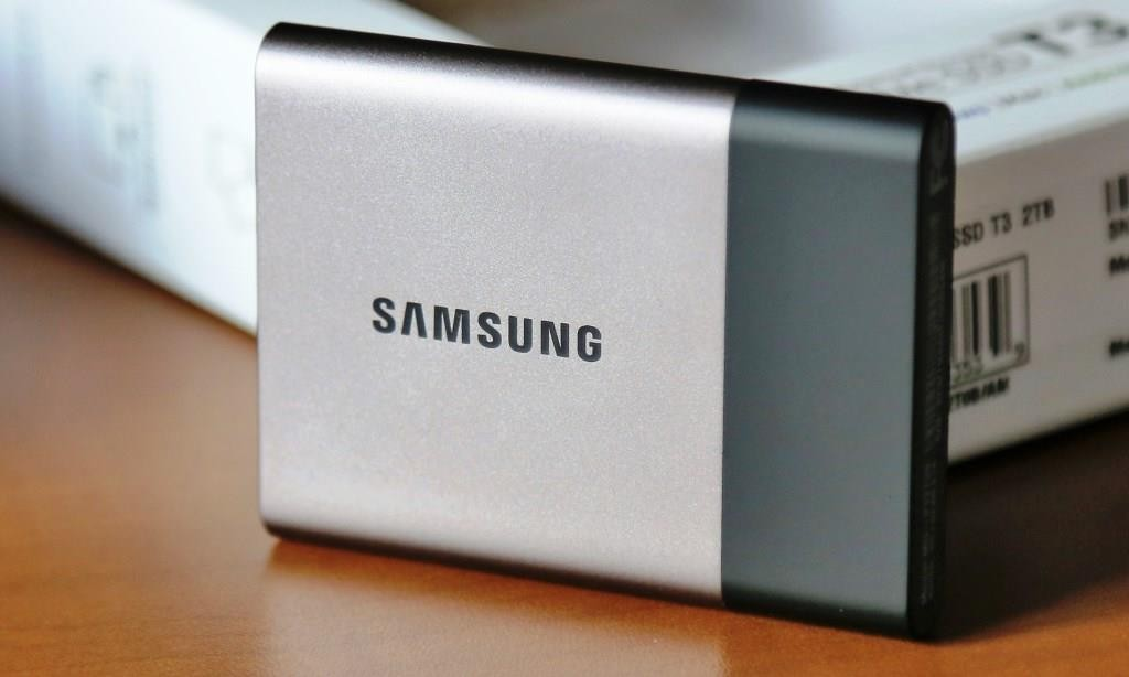Samsung T3 2TB Portable SSD Front 2.png