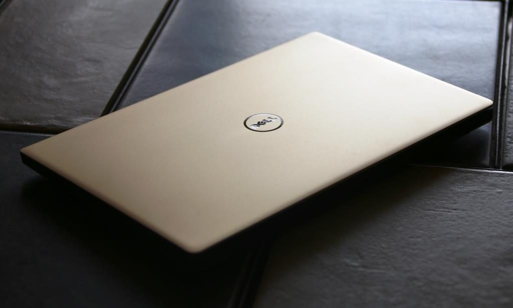 Dell XPS 13 9350 Angle