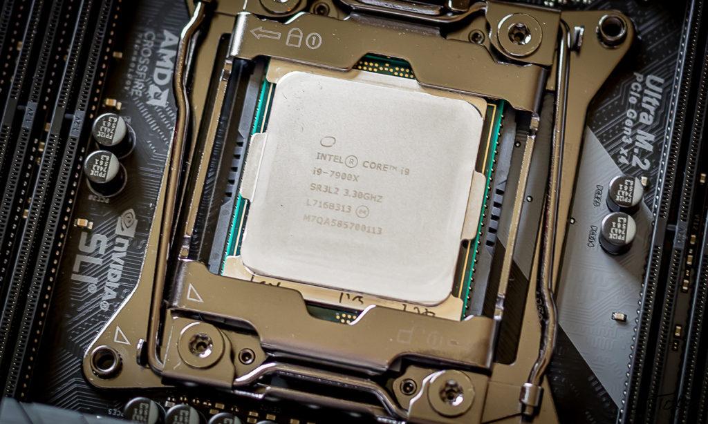 Intel Skylake-X i9-7900X